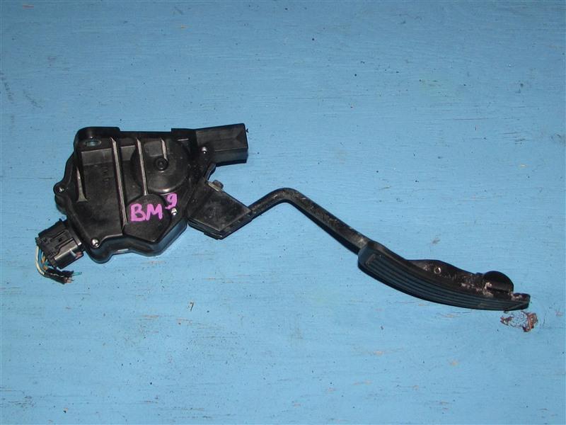 Педаль газа Subaru Legacy BM9 EJ255 (б/у)