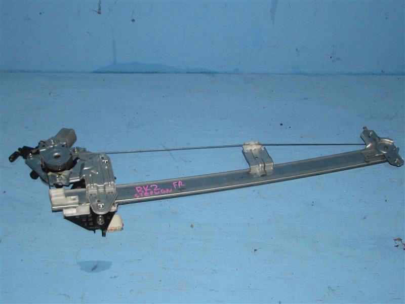 Стеклоподъемник Honda Step Wagon RK1 передний правый (б/у)