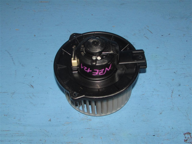 Мотор печки Toyota Corolla NZE121 1NZFE 2006 (б/у)