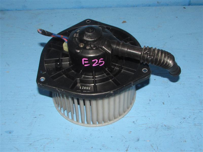 Мотор печки Nissan Caravan CQGE25 KA24DE (б/у)