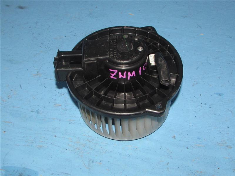 Мотор печки Toyota Isis ZNM10 (б/у)