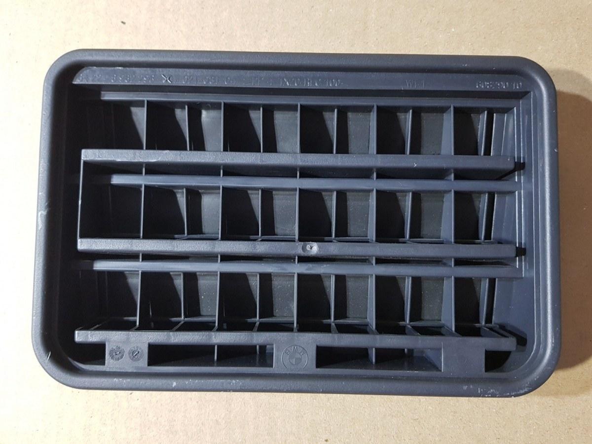Вентиляционная решетка задняя BMW 5-Series 2011 F10 N52B30AF 64226962293 контрактная