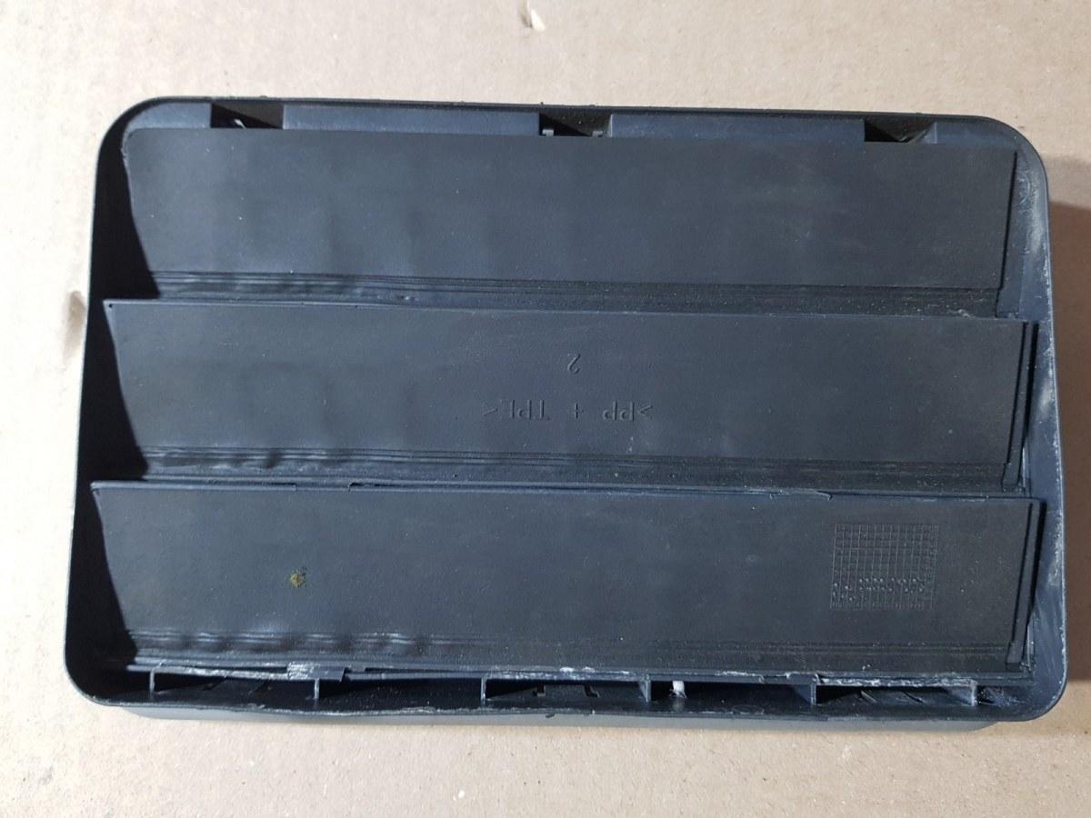 Вентиляционная решетка задняя 5-Series 2011 F10 N52B30AF