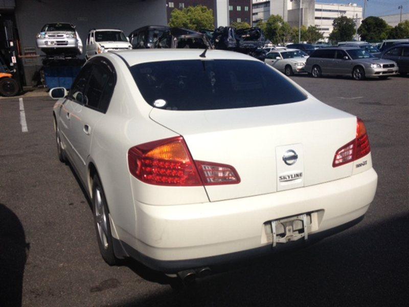 Фонарь задний Nissan Skyline HV35 2001 левый (б/у)