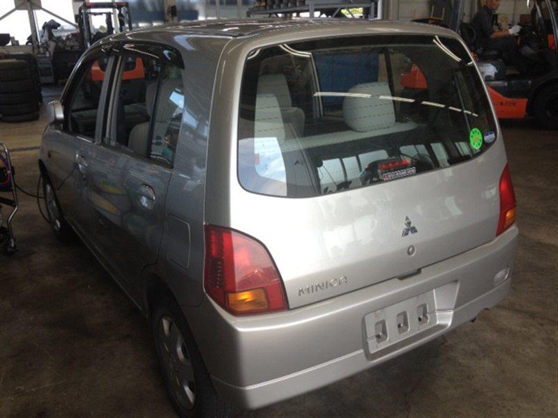 Лючок бензобака Mitsubishi Minica H42A 2004 (б/у)