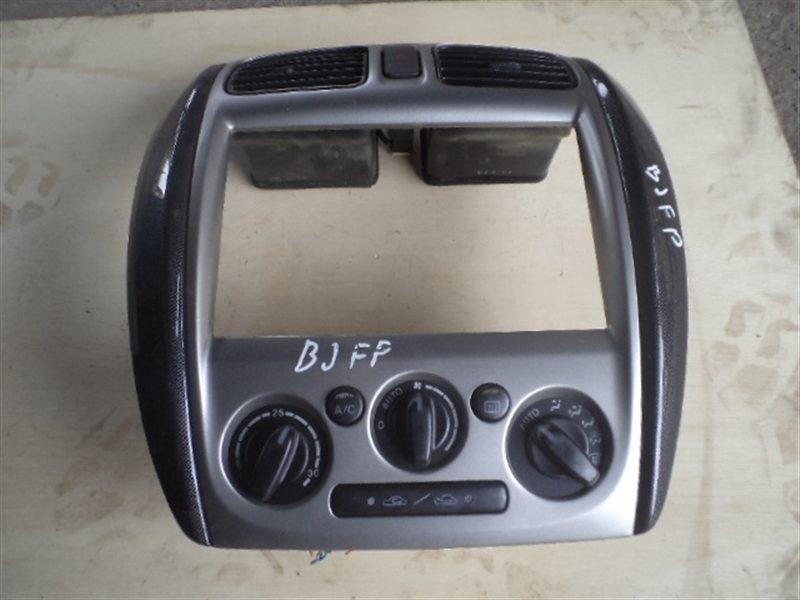 Климат-контроль Mazda Familia BJFP 2001 (б/у)