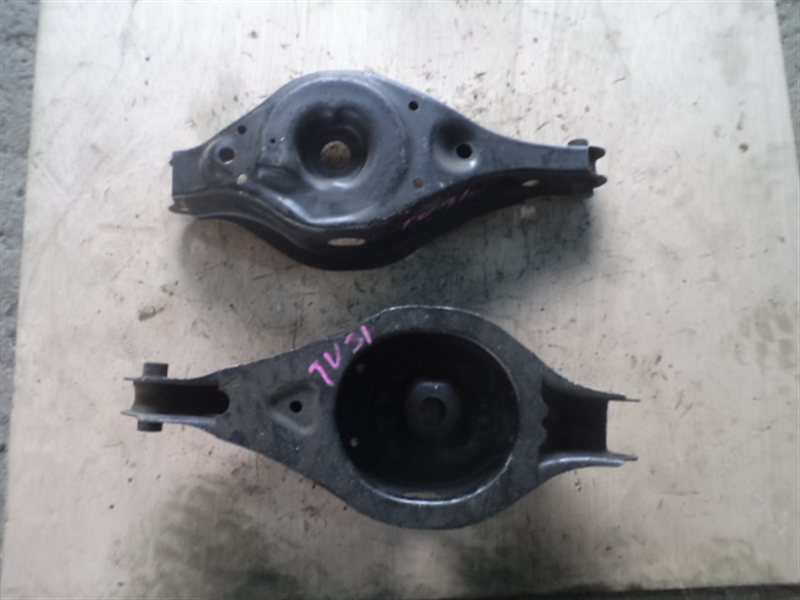 Рычаг Nissan Presage TU31 QR25 задний правый нижний (б/у)