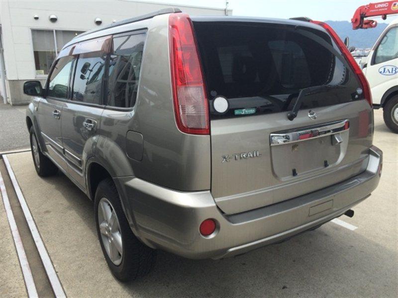 Стекло собачника Nissan Xtrail NT30 2003 левое (б/у)