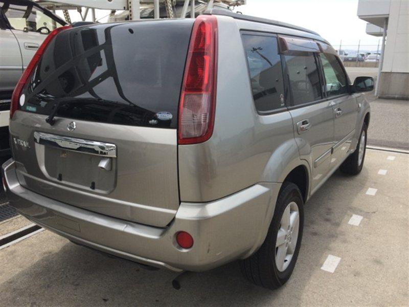 Стекло собачника Nissan Xtrail NT30 2003 правое (б/у)
