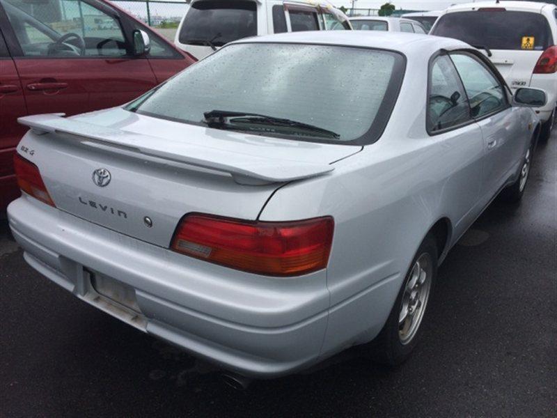 Фонарь задний Toyota Levin AE111 1995 правый (б/у)