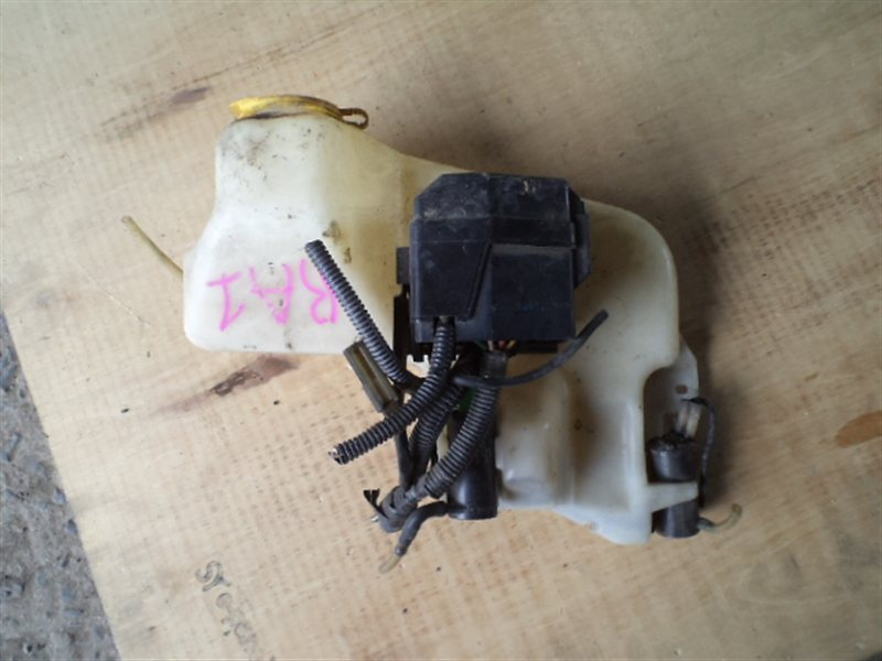 Бачок омывателя Subaru Pleo RA1 (б/у)