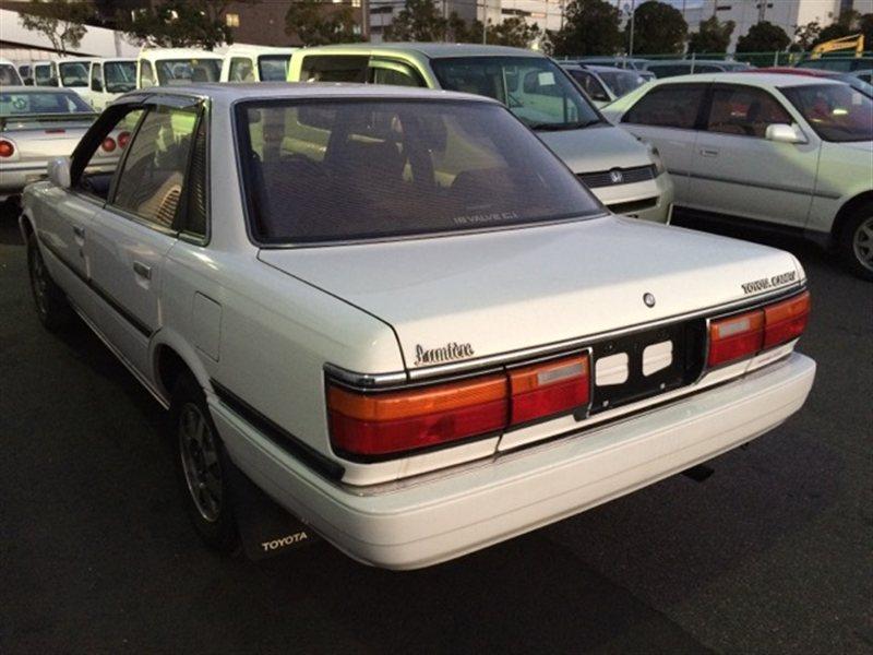 Лючок бензобака Toyota Camry SV22 1990 (б/у)
