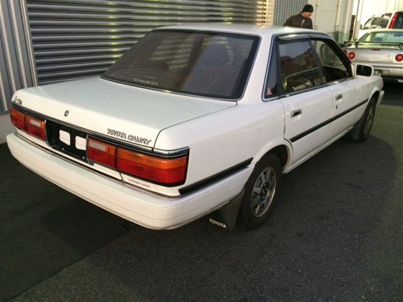 Молдинг порога Toyota Camry SV22 1990 правый (б/у)