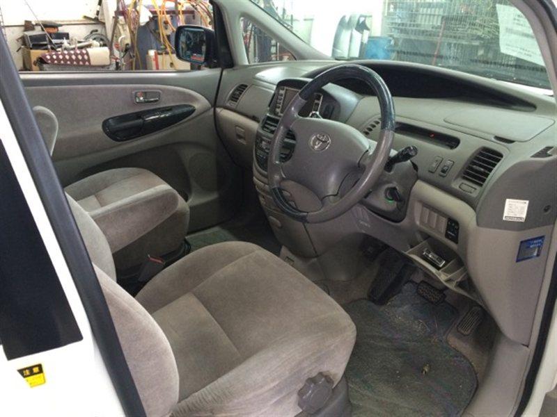 Панель приборов Toyota Estima Hybrid AHR10 2002 (б/у)
