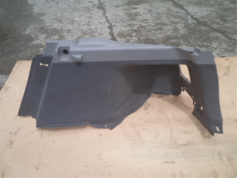 Обшивка багажника Toyota Prius NHW20 2008 правая (б/у)