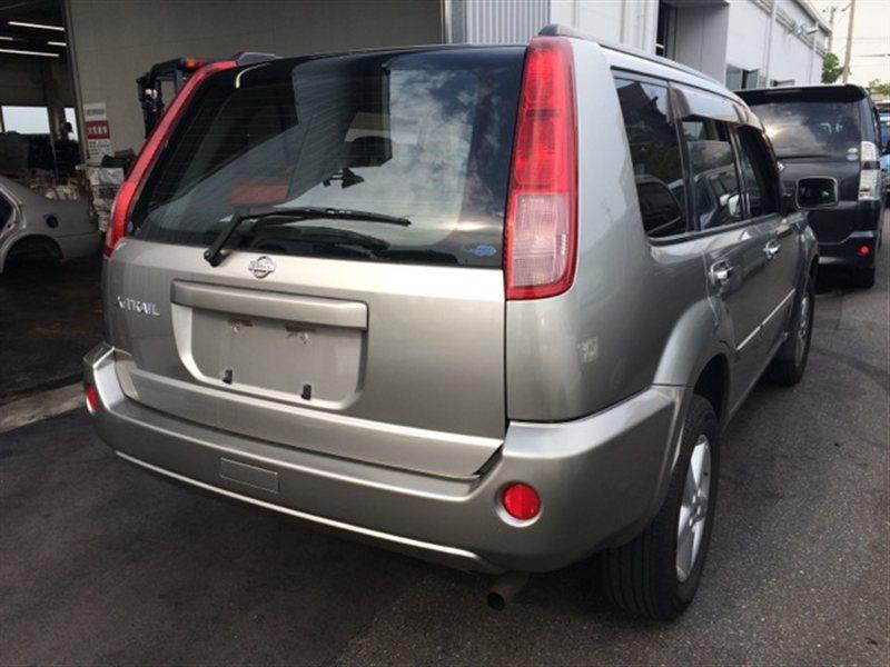 Стекло собачника Nissan Xtrail NT30 2004 правое (б/у)