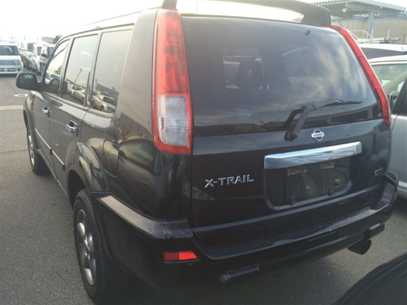 Стекло собачника Nissan Xtrail PNT30 2001 левое (б/у)