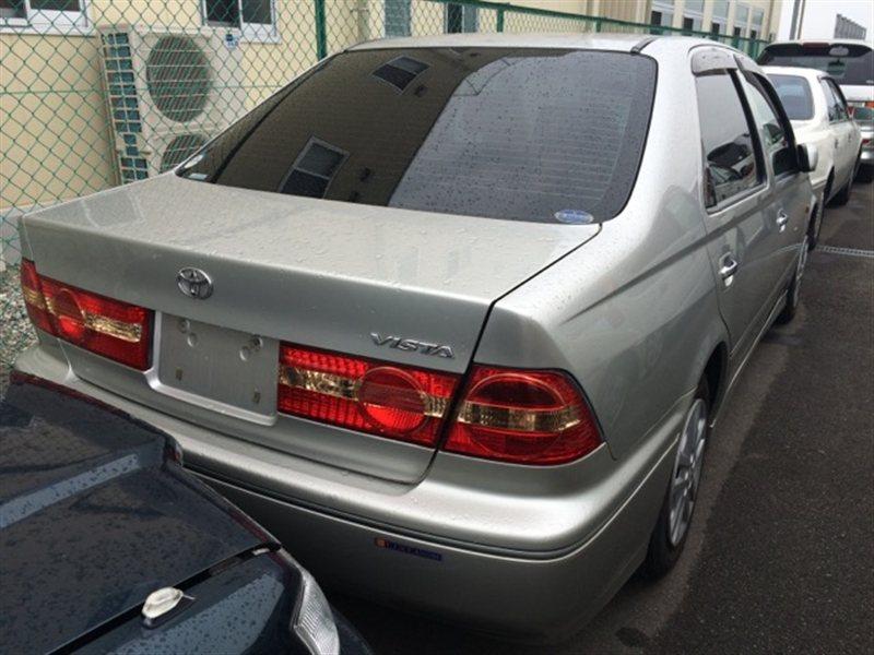 Фонарь задний Toyota Vista ZZV50 2001 правый (б/у)