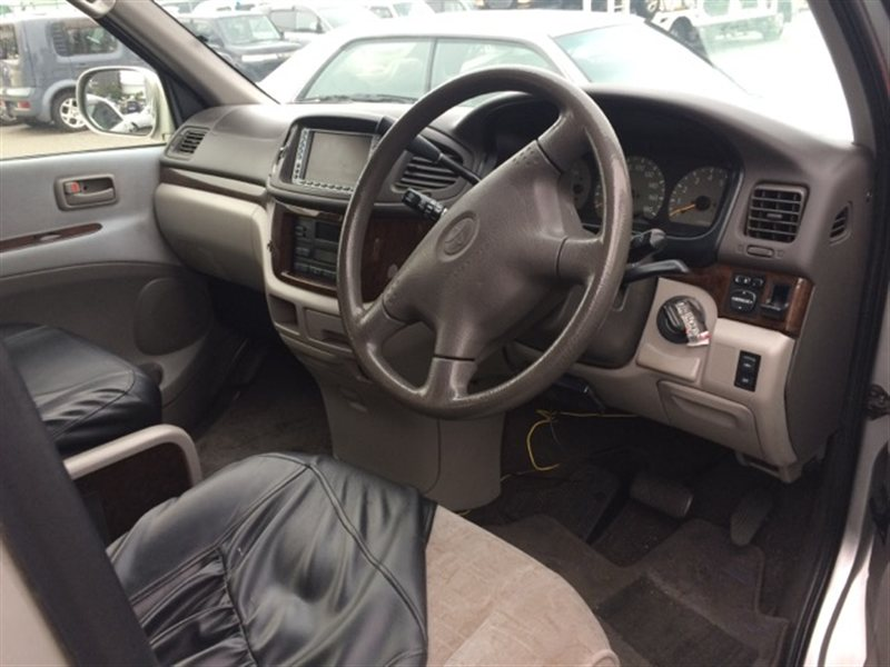 Аирбаг пассажирский Toyota Regius RCH47 2000 (б/у)