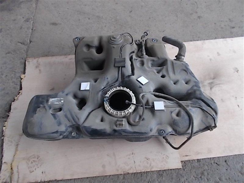 Бензобак Toyota Auris NZE151 (б/у)