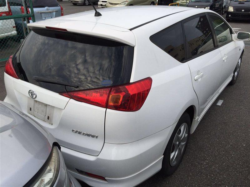 Фонарь задний Toyota Caldina ZZT241 2003 правый (б/у)