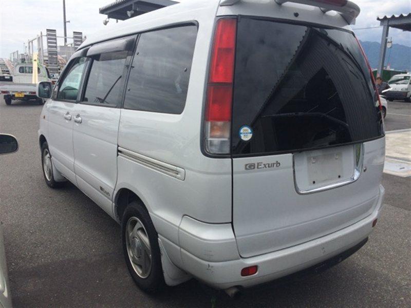 Фонарь задний Toyota Noah CR40 1999 правый (б/у)