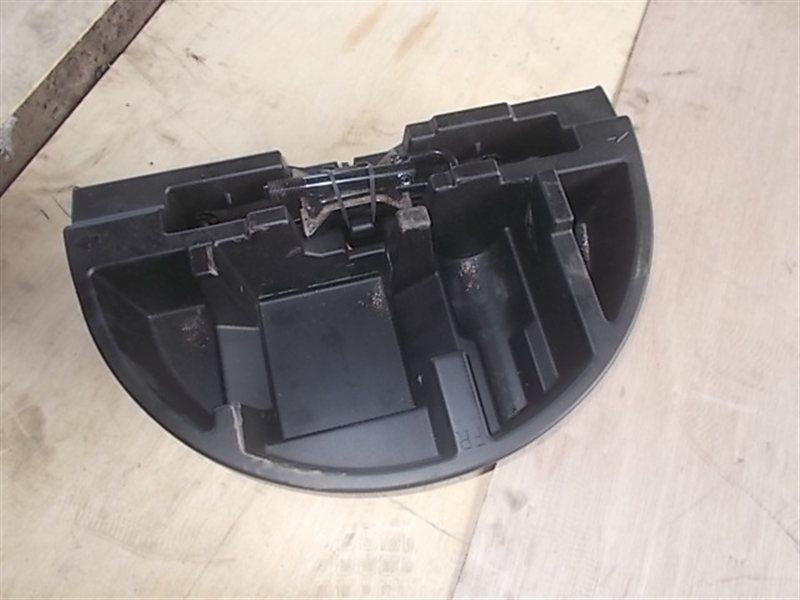 Ванночка в багажник Toyota Prius NHW20 (б/у)