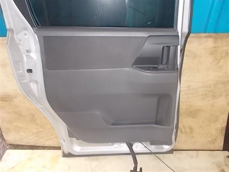 Обшивка дверей Toyota Voxy ZRR70 2008 задняя левая (б/у)