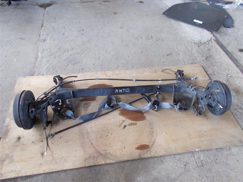 Балка со ступицами Toyota Aqua NHP10 (б/у)