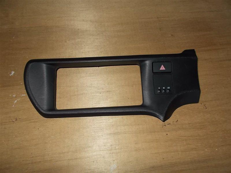Консоль магнитофона Toyota Aqua NHP10 2012 (б/у)