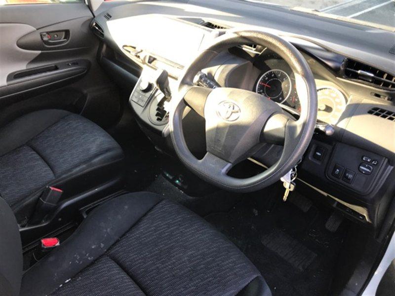 Торпедо Toyota Wish ZGE25 2010 (б/у)
