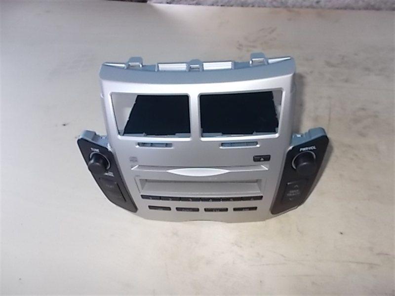 Магнитофон Toyota Vitz KSP90 (б/у)