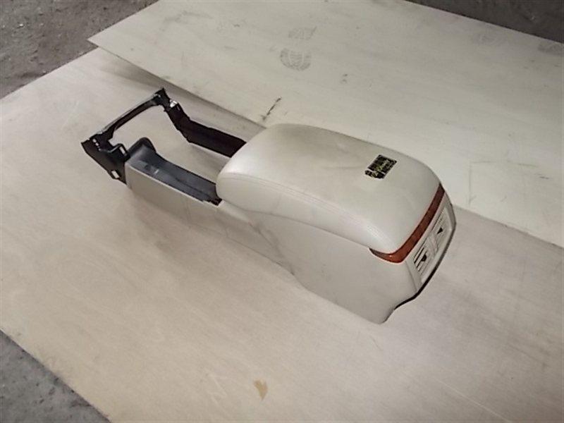 Бардачок между сиденьями Toyota Crown GRS182 (б/у)