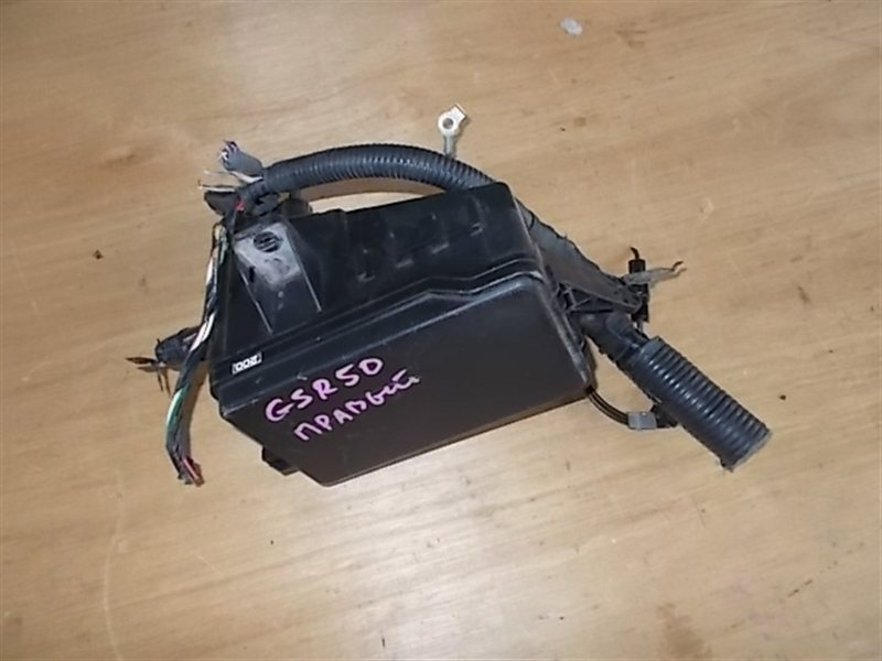 Блок предохранителей Toyota Estima GSR50 2GRFE (б/у)