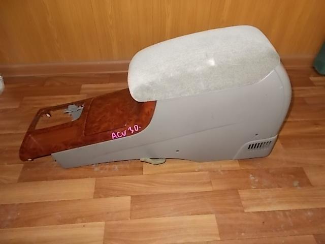 Бардачок между сиденьями Toyota Camry ACV30 2003 (б/у)