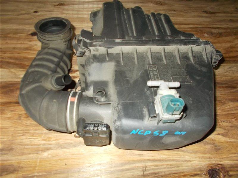 Корпус воздушного фильтра Toyota Probox NCP58 1NZ 2008 (б/у)
