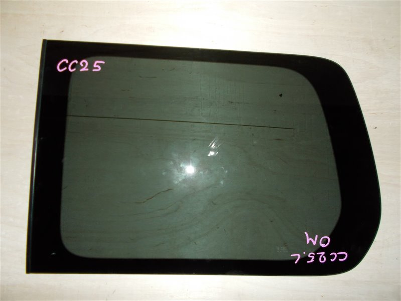 Стекло собачника Nissan Serena CC25 MR20 2008 левое (б/у)