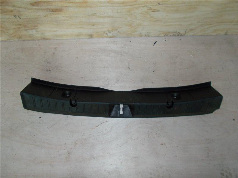 Накладка замка багажника Subaru Xv GP7 (б/у)