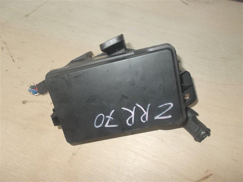 Блок предохранителей Toyota Noah ZRR70 3ZRFE (б/у)