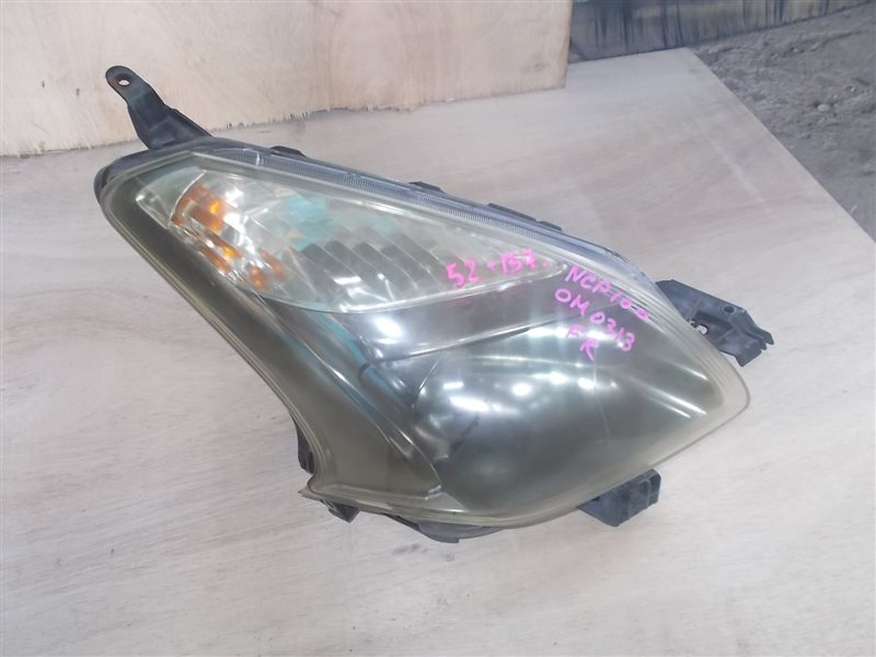 Фара Toyota Ractis NCP100 1NZ 2006 правая (б/у)