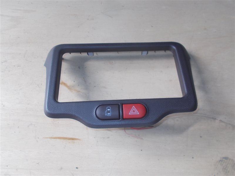 Консоль магнитофона Toyota Porte NCP141 1NZ 2013 (б/у)