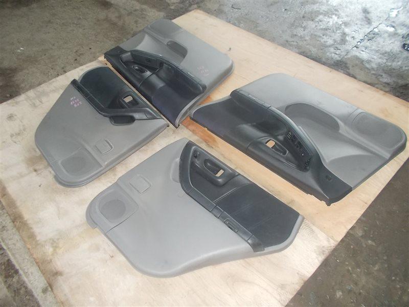 Обшивка дверей Subaru Forester SF5 EJ205 2000 (б/у)