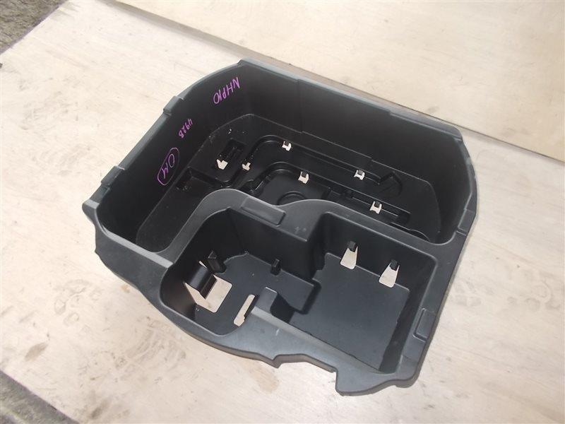 Ящик в багажник Toyota Aqua NHP10 1NZ-FXE 2015 (б/у)