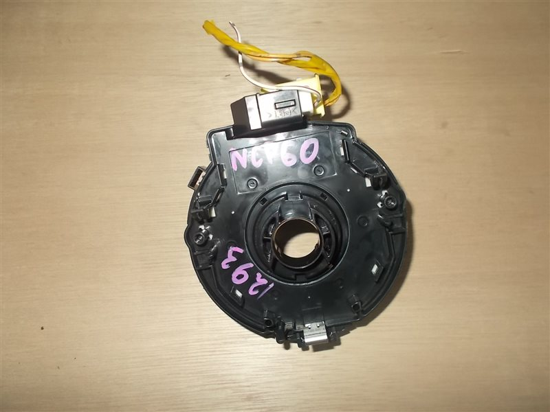 Шлейф-лента air bag Toyota Ist NCP60 2NZ 2005 (б/у)