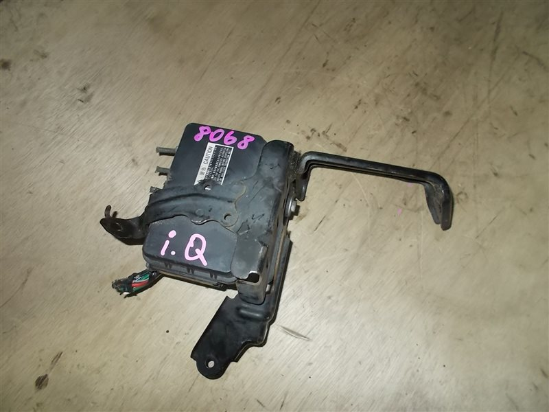 Блок abs Toyota Iq KGJ10 1KR 2009 (б/у)