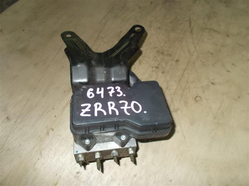Блок abs Toyota Voxy ZRR70 (б/у)