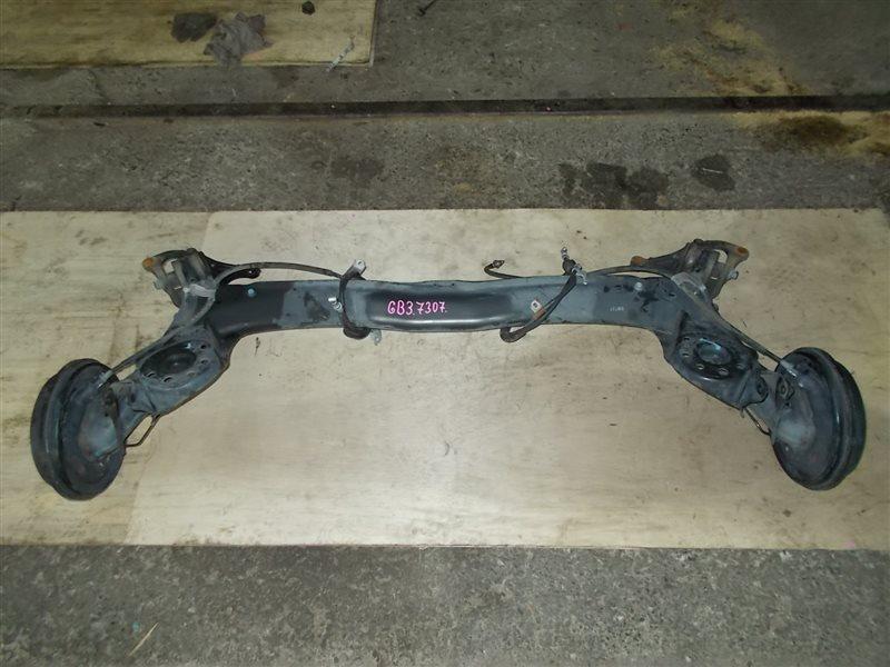 Балка со ступицами Honda Freed GB3 L15A 2008 (б/у)