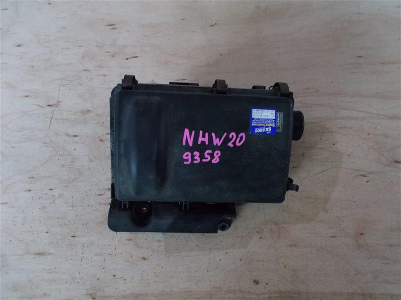 Корпус воздушного фильтра Toyota Prius NHW20 1NZ-FXE 2005 (б/у)