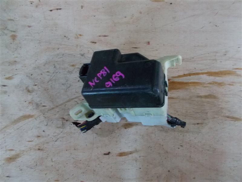 Блок предохранителей Toyota Sienta NCP81 1NZ 2010 (б/у)