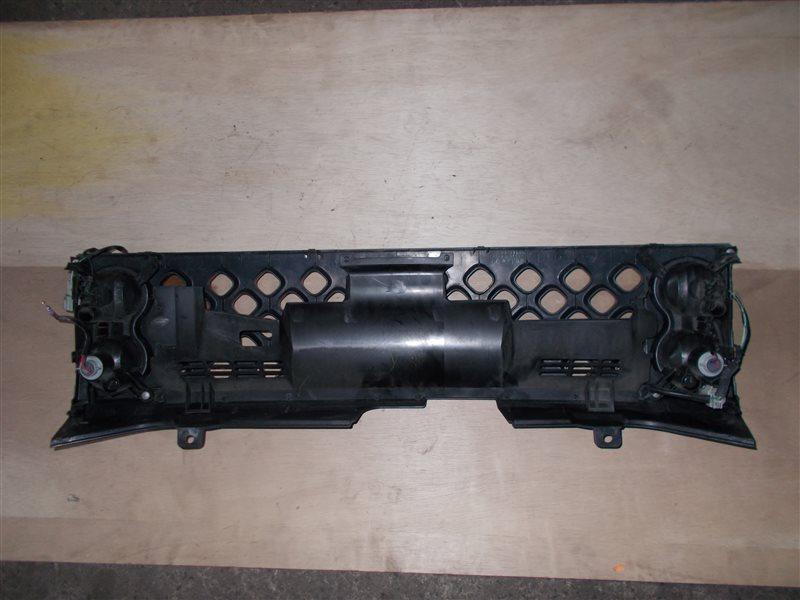Решетка радиатора Nissan Cube YZ11 (б/у)
